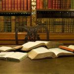 С любимыми не расставайтесь! 10 идей о том, как превратить книги в декор