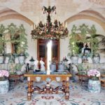 Какую изнанку для своего французского замка предпочел маэстро Valentino?