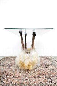 Что у вас вместо столика? 11 безумных идей!