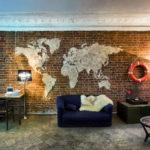 карта декор на стене