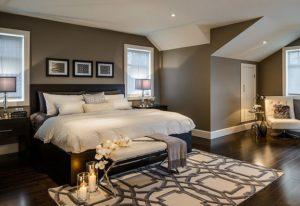 темные стены в интерьере, коричневая спальня