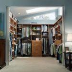 10 креативных идей для гардероба в спальне