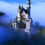 Сказочный король в сказочном замке