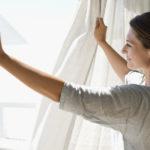 Как почистить шторы, не стирая?