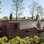 Плавучий дом с современным интерьером