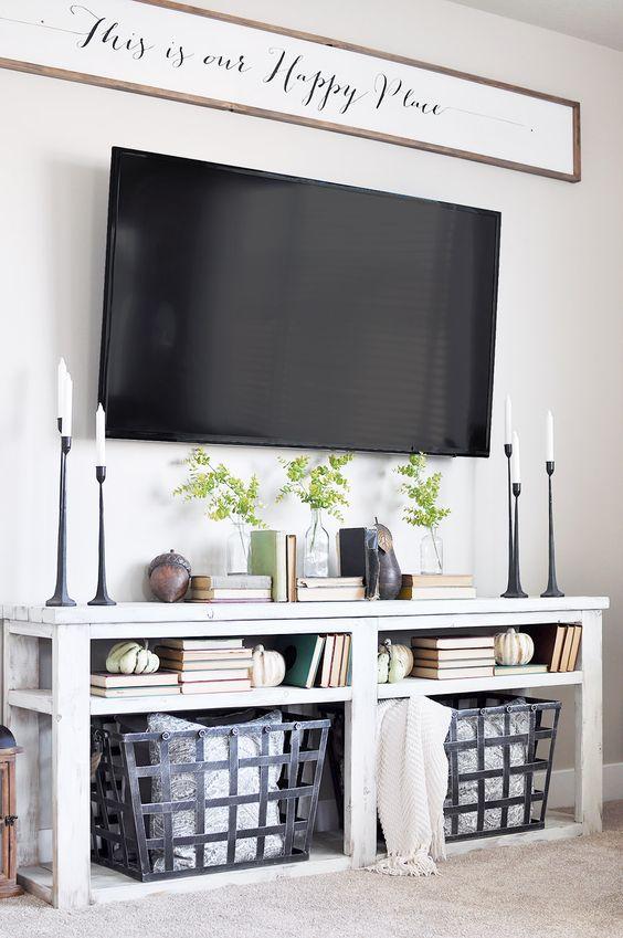 декор стены у телевизора