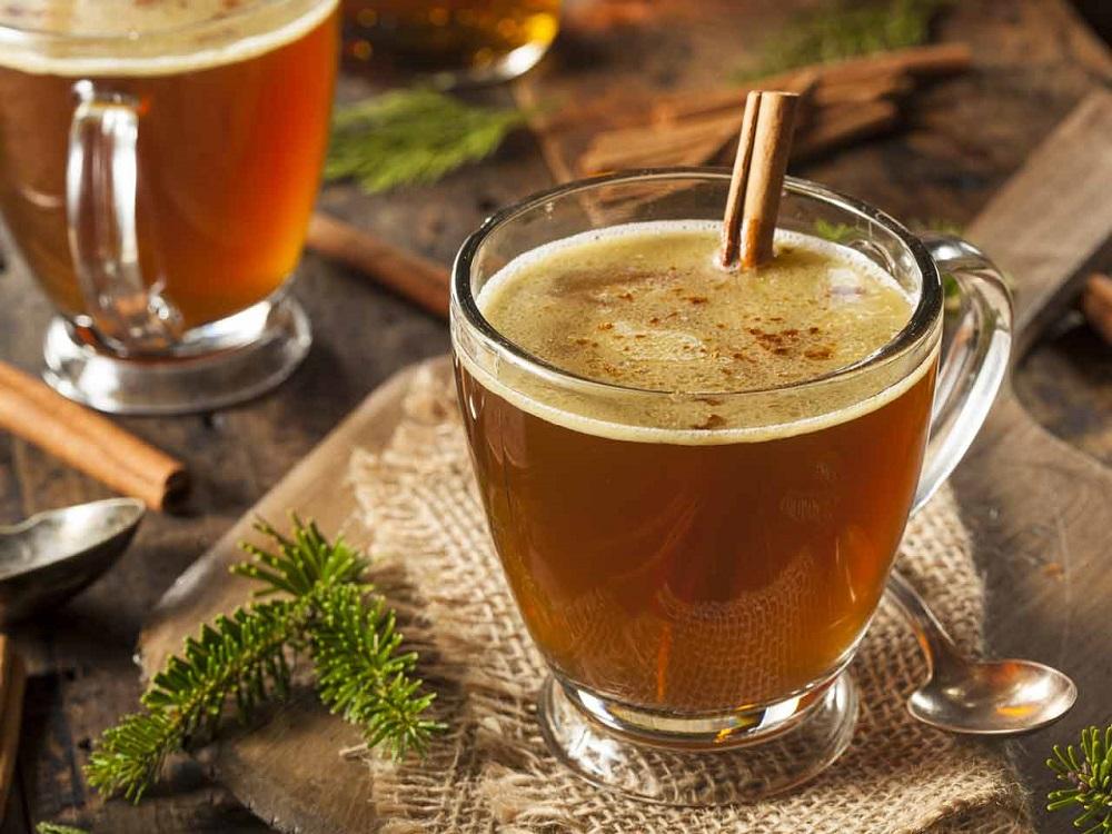 Согревающие напитки для осени — ромовый напиток с маслом
