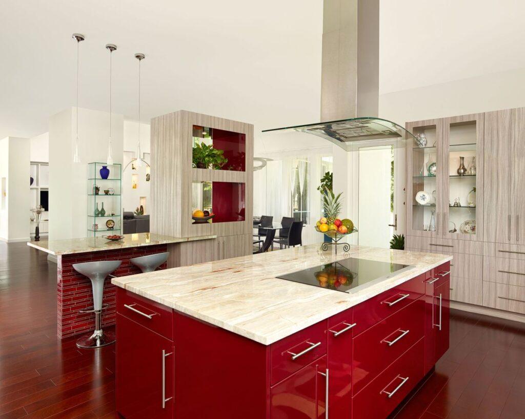 Оттенки красного в интерьере кухни