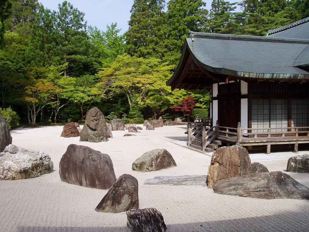 Сухой японский сад