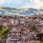 Этот город в Италии заплатит вам, если вы переедете туда