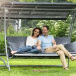 Садовые качели: как выбрать и не ошибиться