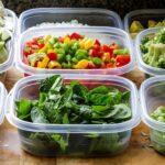 Как быстро отмыть пластиковые контейнеры от въевшихся пятен еды?