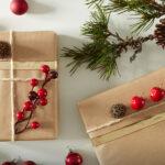Как красиво упаковать новогодний подарок: 3 простых и эффектных идеи