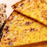 Вместо хлеба: вкусные и полезные нутовые лепешки на сковородке