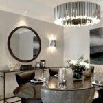 Сколько должно быть зеркал в квартире? Как они могут преобразить интерьер?