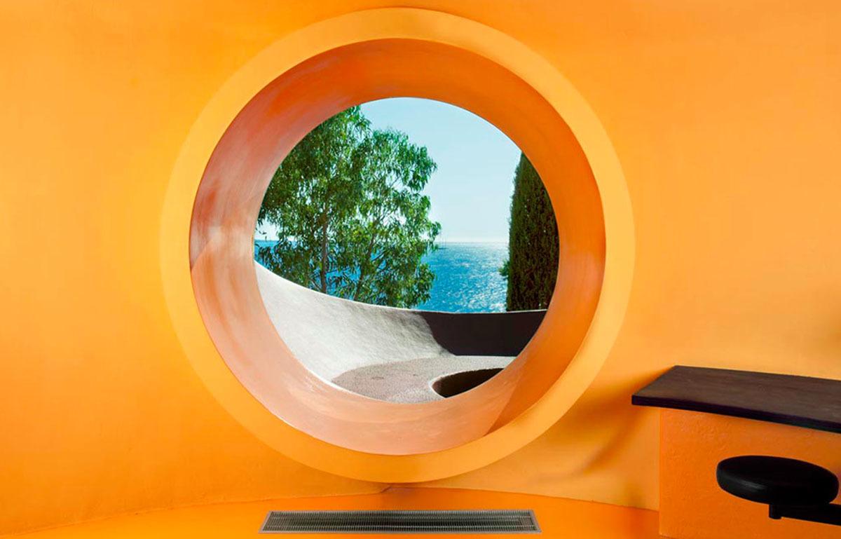 вид из окна в Доме Бернара (Дом-пузырь)