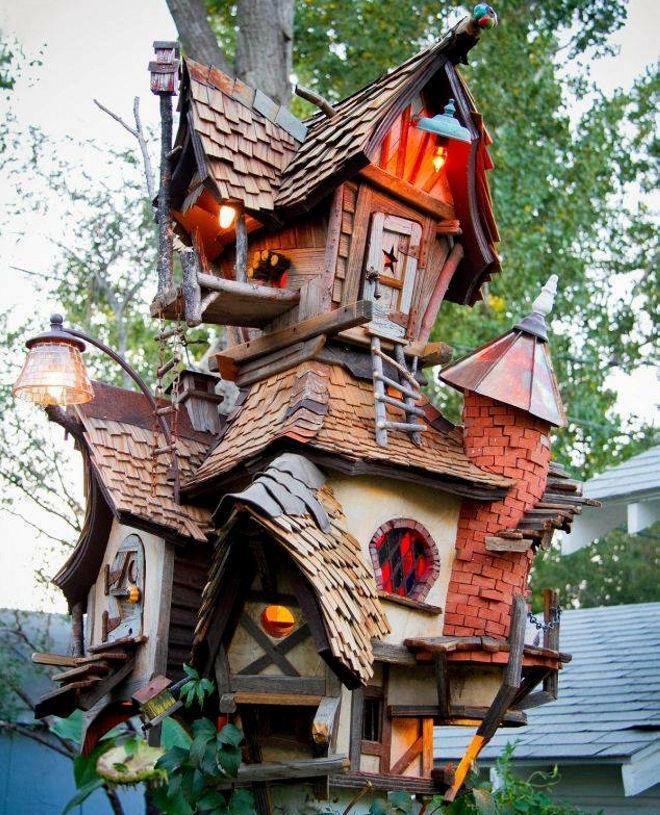 Оригинальный домик для птиц