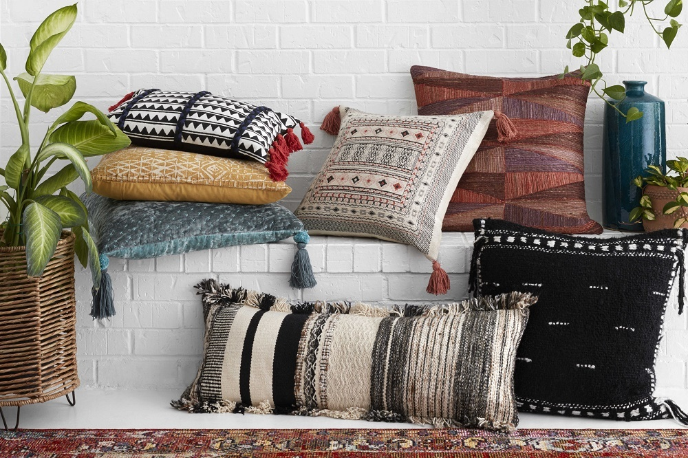 декоративные подушки с бахромой