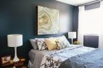 10 идей оформления стены над изголовьем кровати