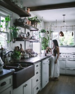 Как разместить в кухне любимые растения, чтобы они выглядели декором