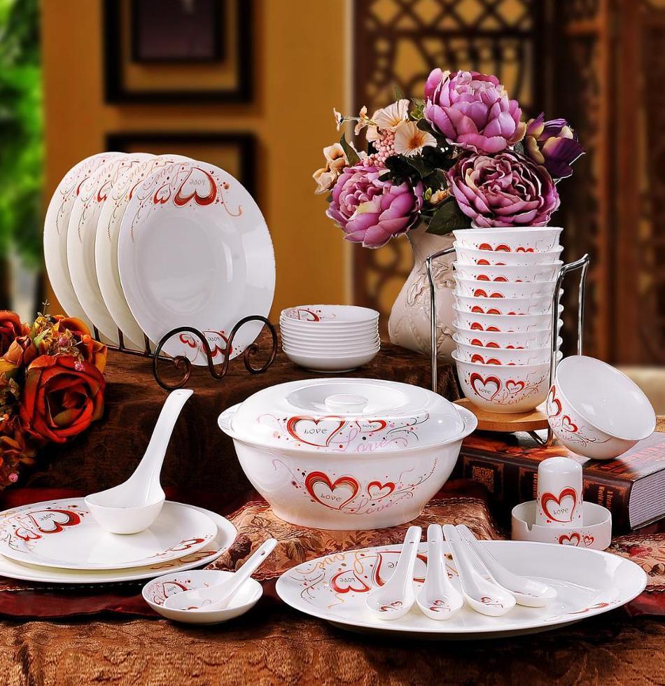 набор посуды из элитного фарфора