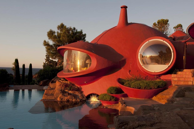 Дома Бернара (Дом-пузырь), архитектор — Одиль Декк