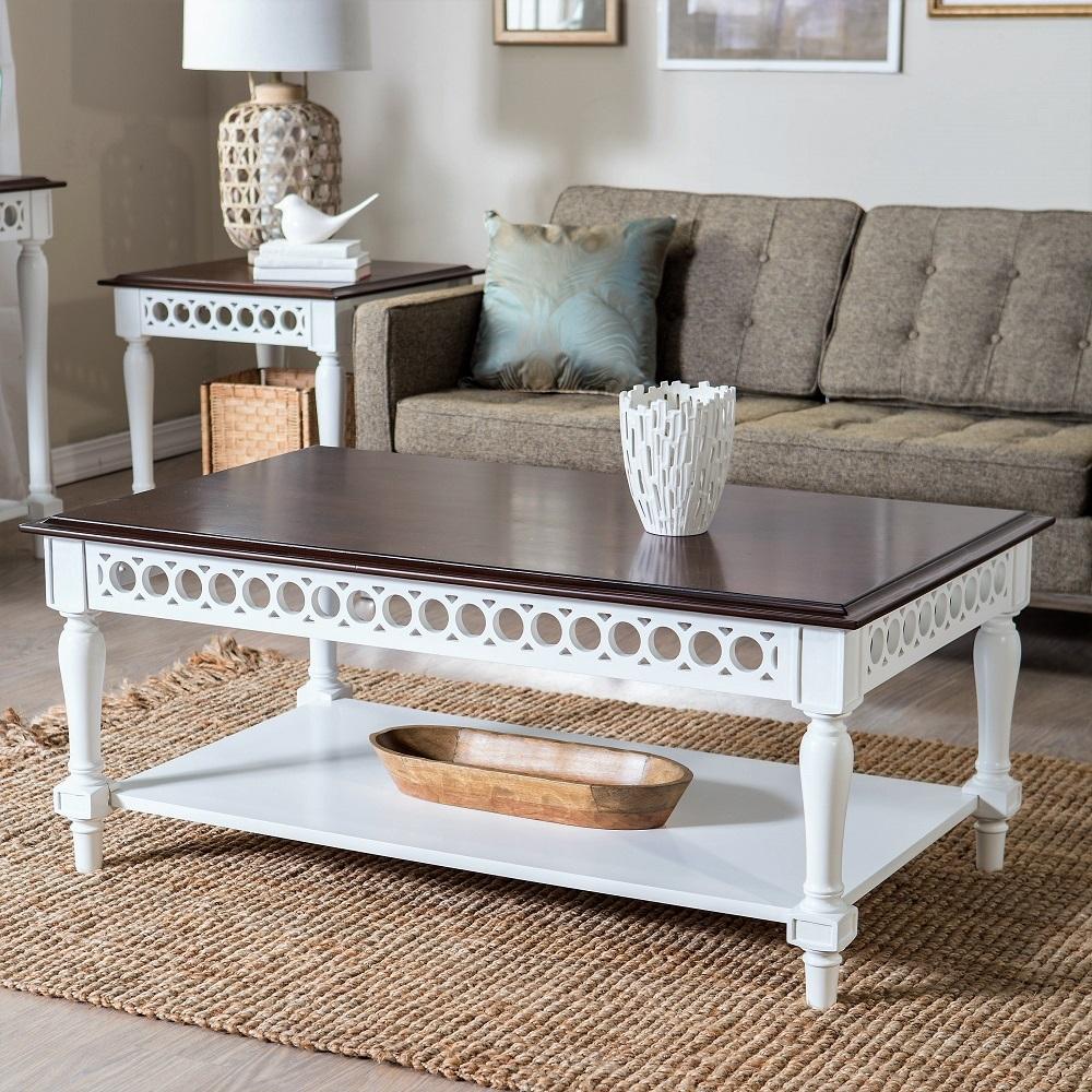 боковой стол в интерьере