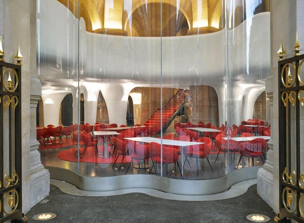 Ресторан Phantom в «Гранд-Опера», автор проекта — архитектор Одиль Декк