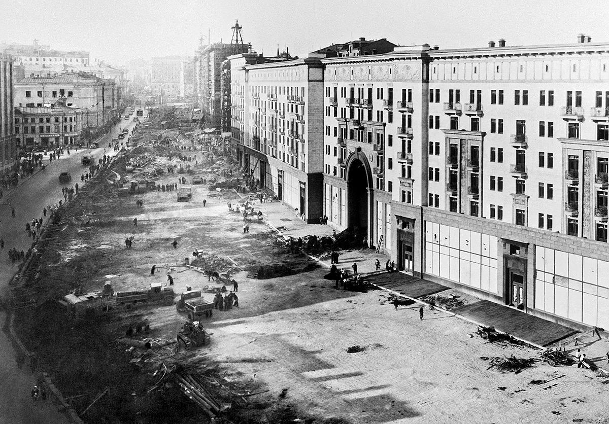 Советская реконструкция в Москве