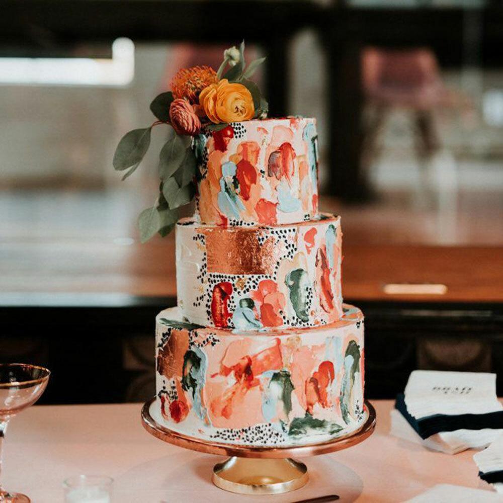 свадебный торт цвета живой коралл