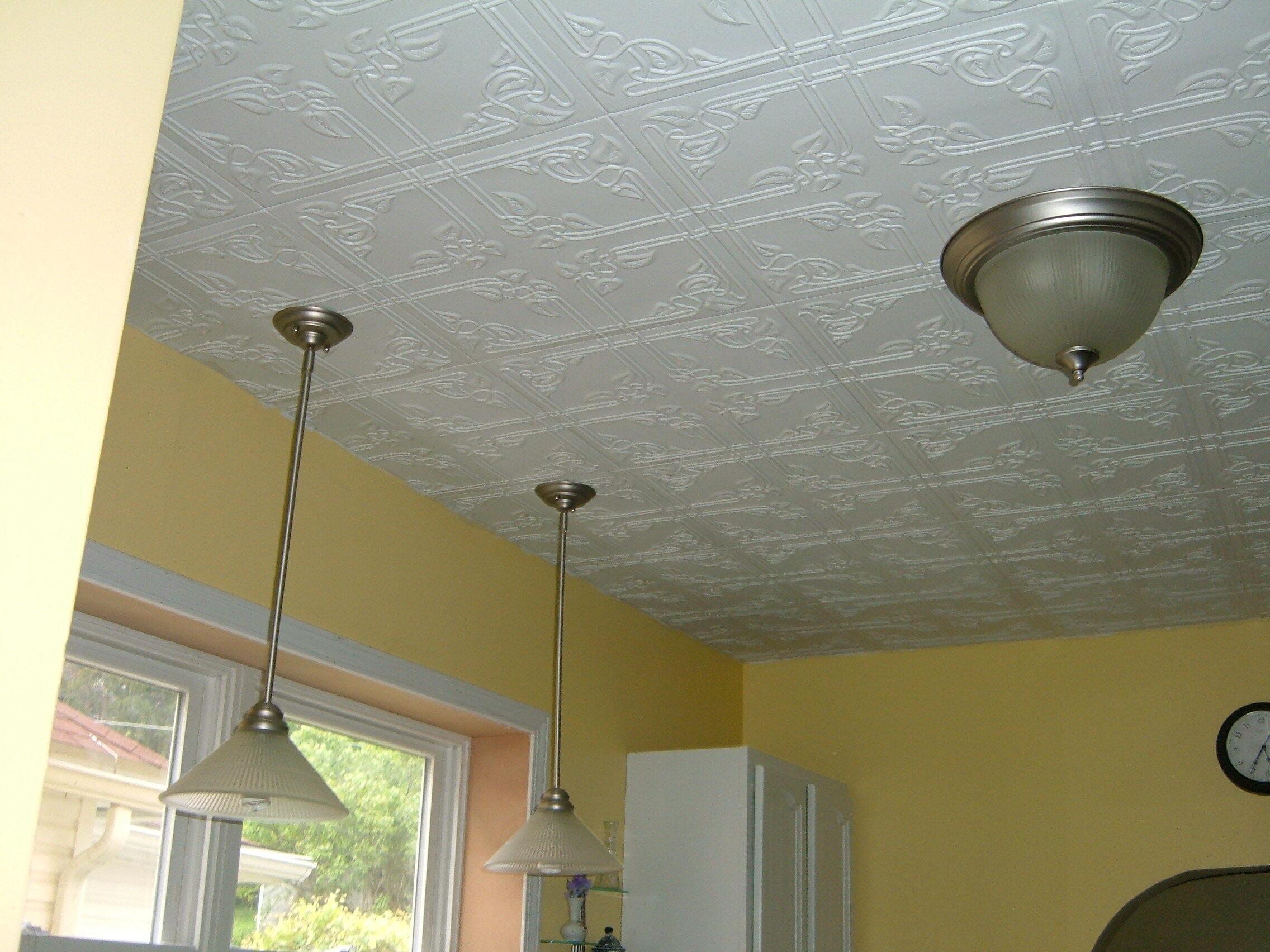 чем покрывать потолок в кухне фото подобной ситуации