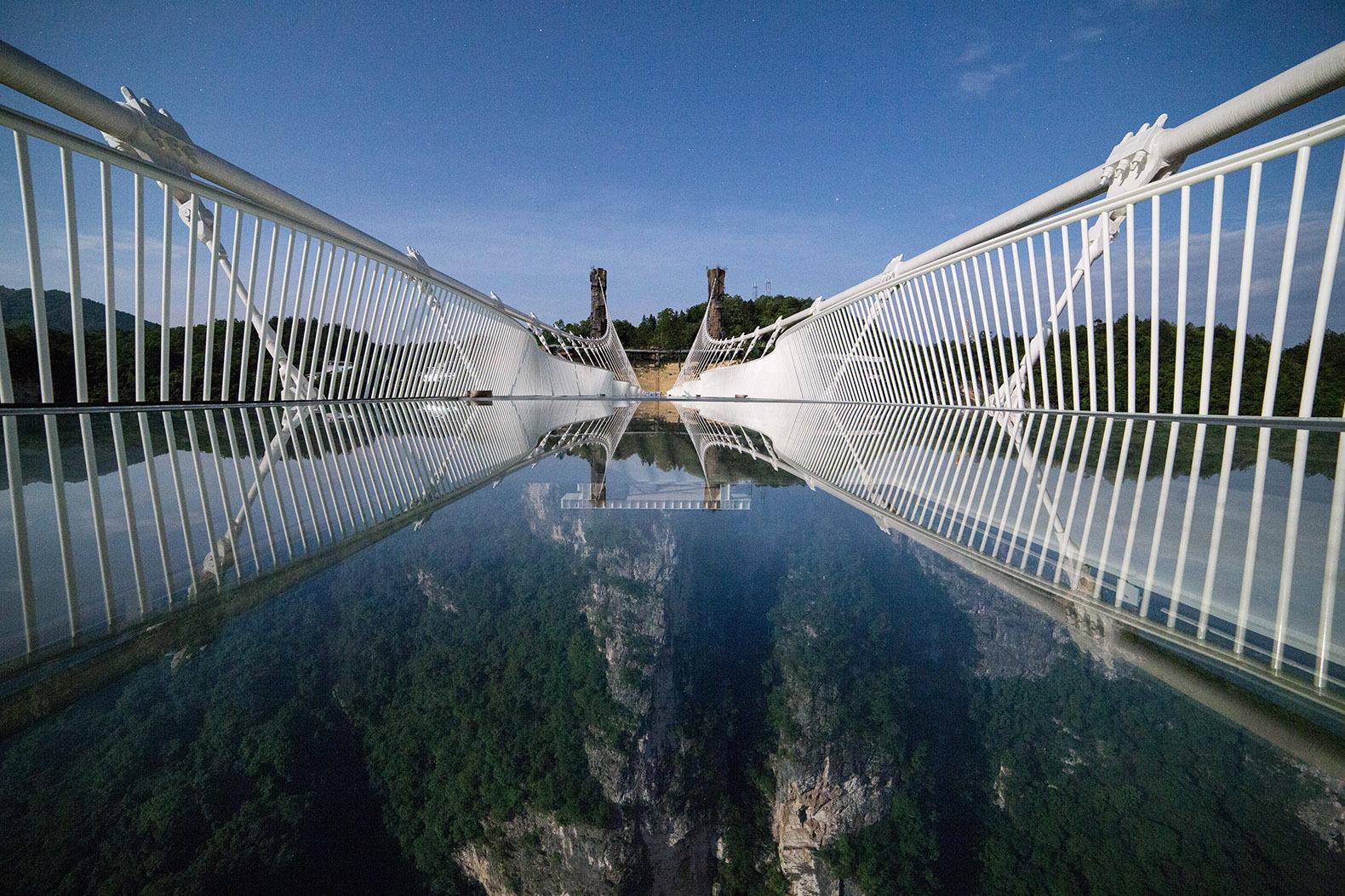 Стеклянный мост «Чжанцзяцзе», Хунань, Китай