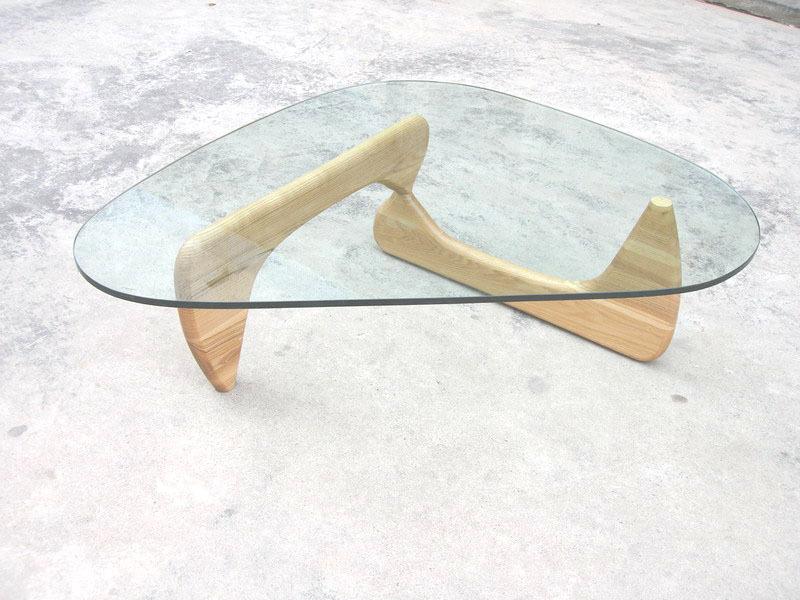 журнальный столик, дизайнер — Исаму Ногучи