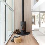8 современных интерьеров с дровяным камином