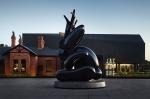 """Название """"Рогатый заяц"""" не исчерпывает все странности отеля в Мельбурне. В чем загадки заячьих интерьеров?"""