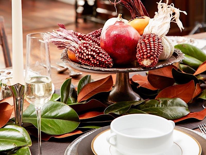 Сервировка с фруктами