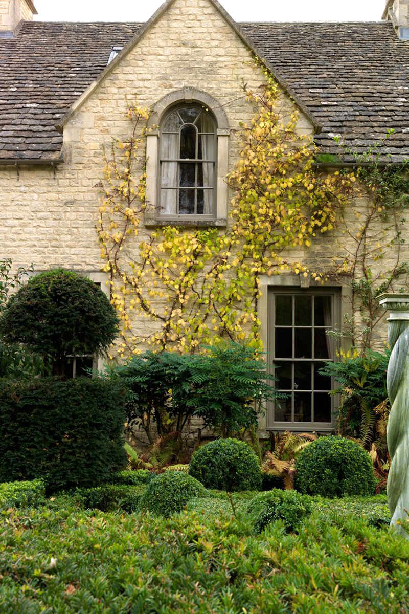 Невероятная реконструкция дома XVII века с роскошным садом