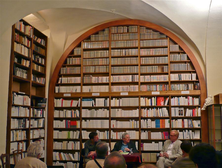 книжный Le Bal des Ardents в Лионе