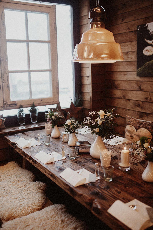 сервировка стола для свадьбы в стиле хюгге