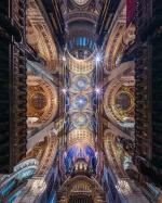 Фотограф делает необычные снимки церквей, чтобы показать их величие
