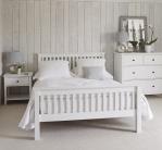 Деревянная стена в изголовье кровати. 15 простых и уютных идей