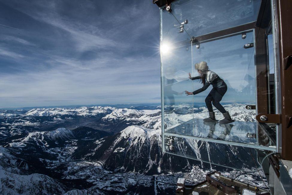 Смотровая площадка на горе Эгюй-Дю-Миди, Шамони, французские Альпы
