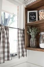 Шторы-кафе для кухни: бабушкин декор или современная модная деталь интерьера?