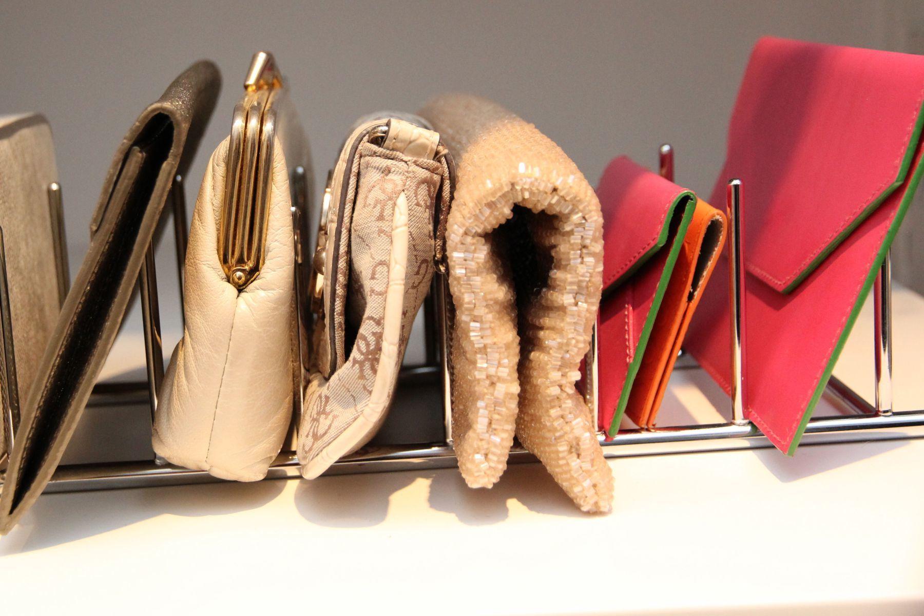 хранение сумочек и клатчей